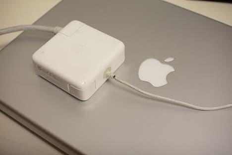 PowerBook G4のAC電源アダプターが断線した。
