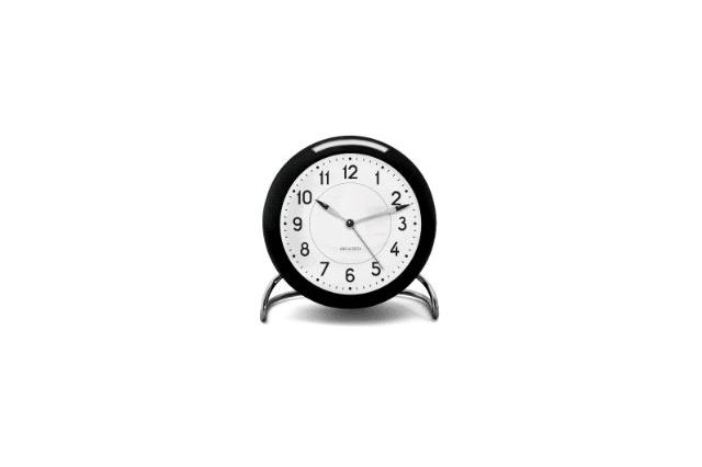 新築祝いにオススメ。アルネ・ヤコブセンのデザイン時計
